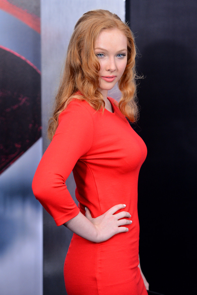 Molly Quinn in tight red dress at Man of Steel premiere in NYC-03    Molly Quinn Steampunk