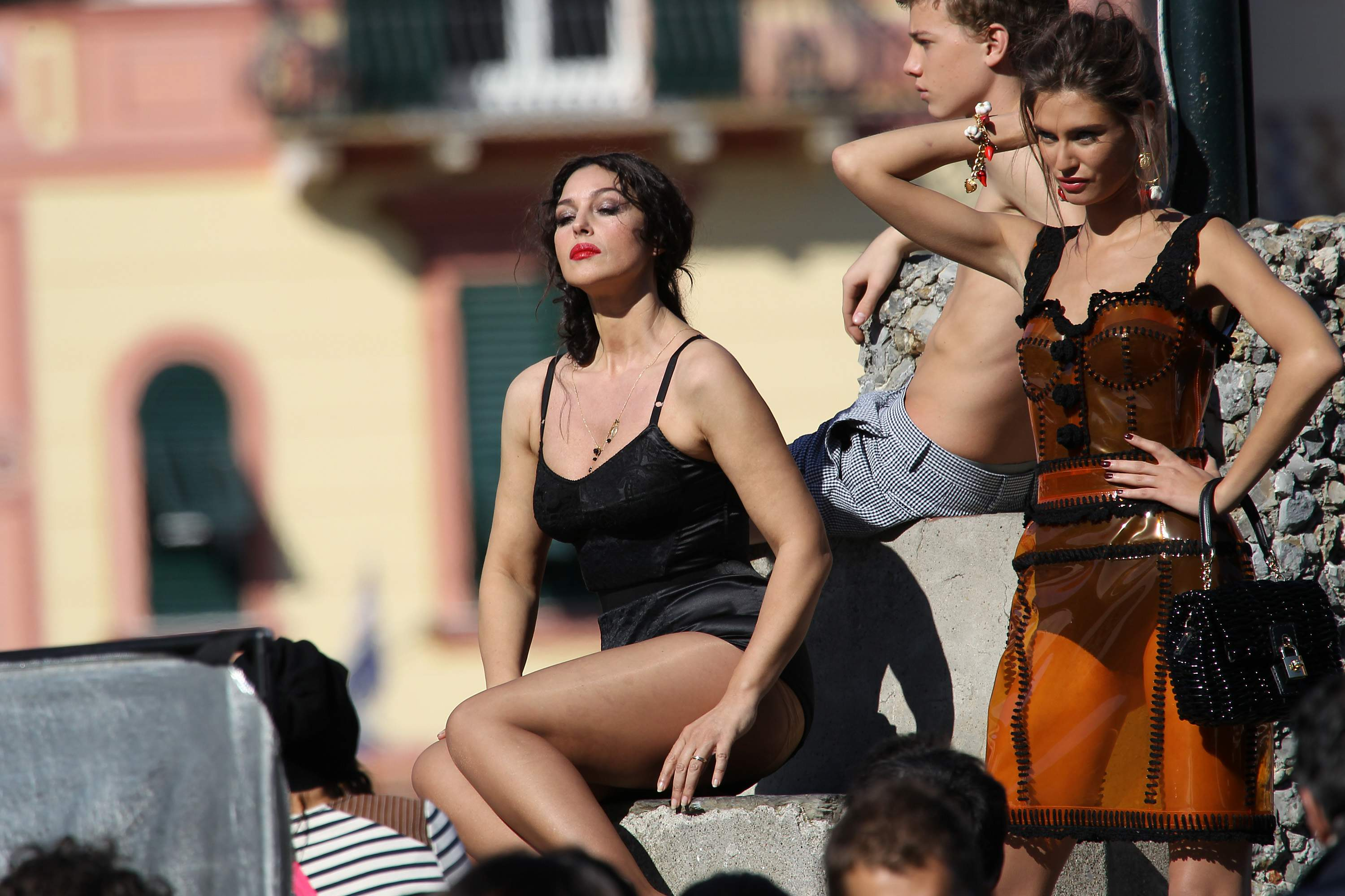 Monica Bellucci - Cleavage Candids On The Set of Dolce and Gabbana-04 ... Monica Bellucci