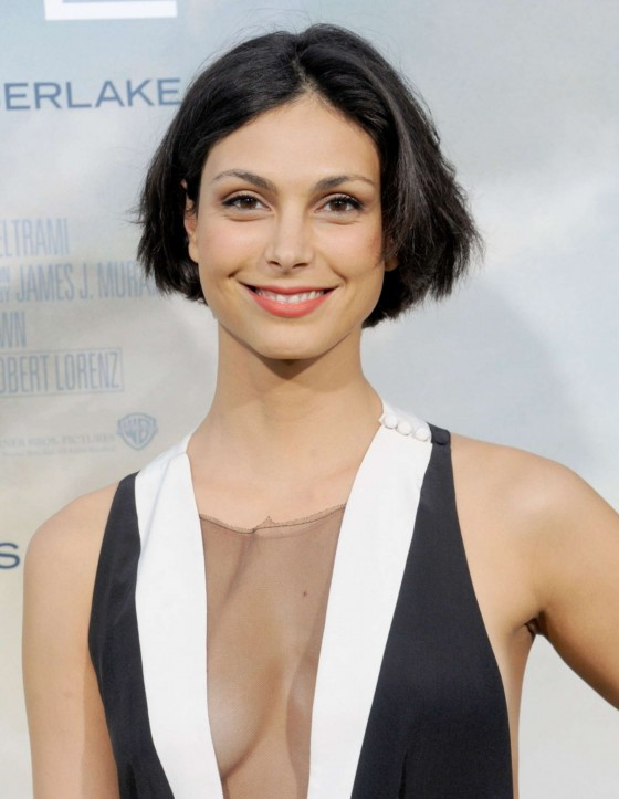 Morena Baccarin showing cleavage at Trouble With The Curve Hollywood Premiere