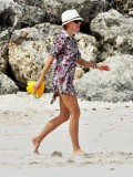 naomi-watts-in-a-black-bikini-on-the-beach-in-barbados-07