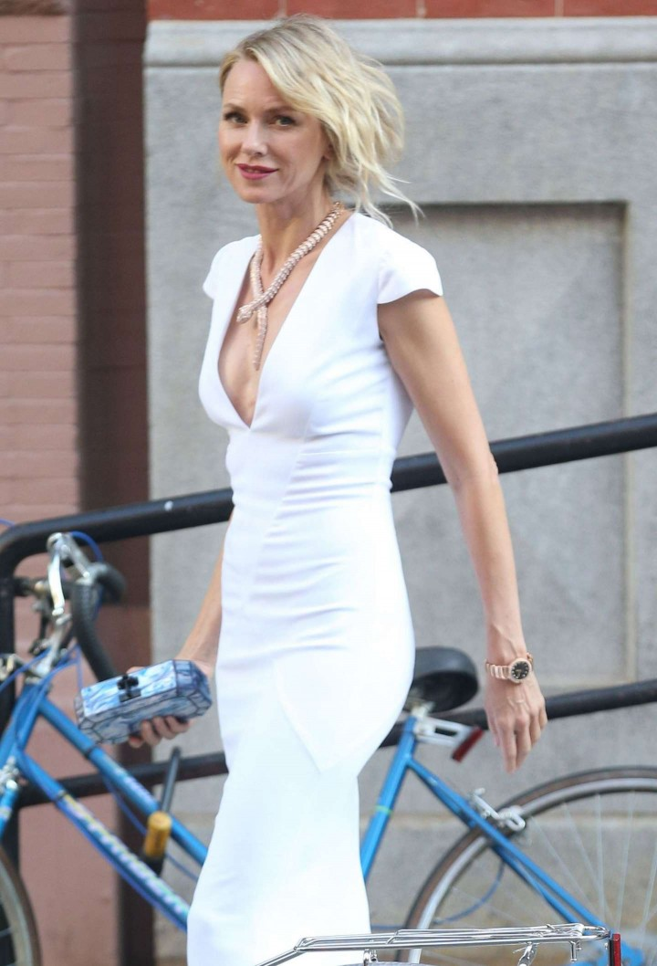 Naomi Watts – Leaving Her Apartment in New York
