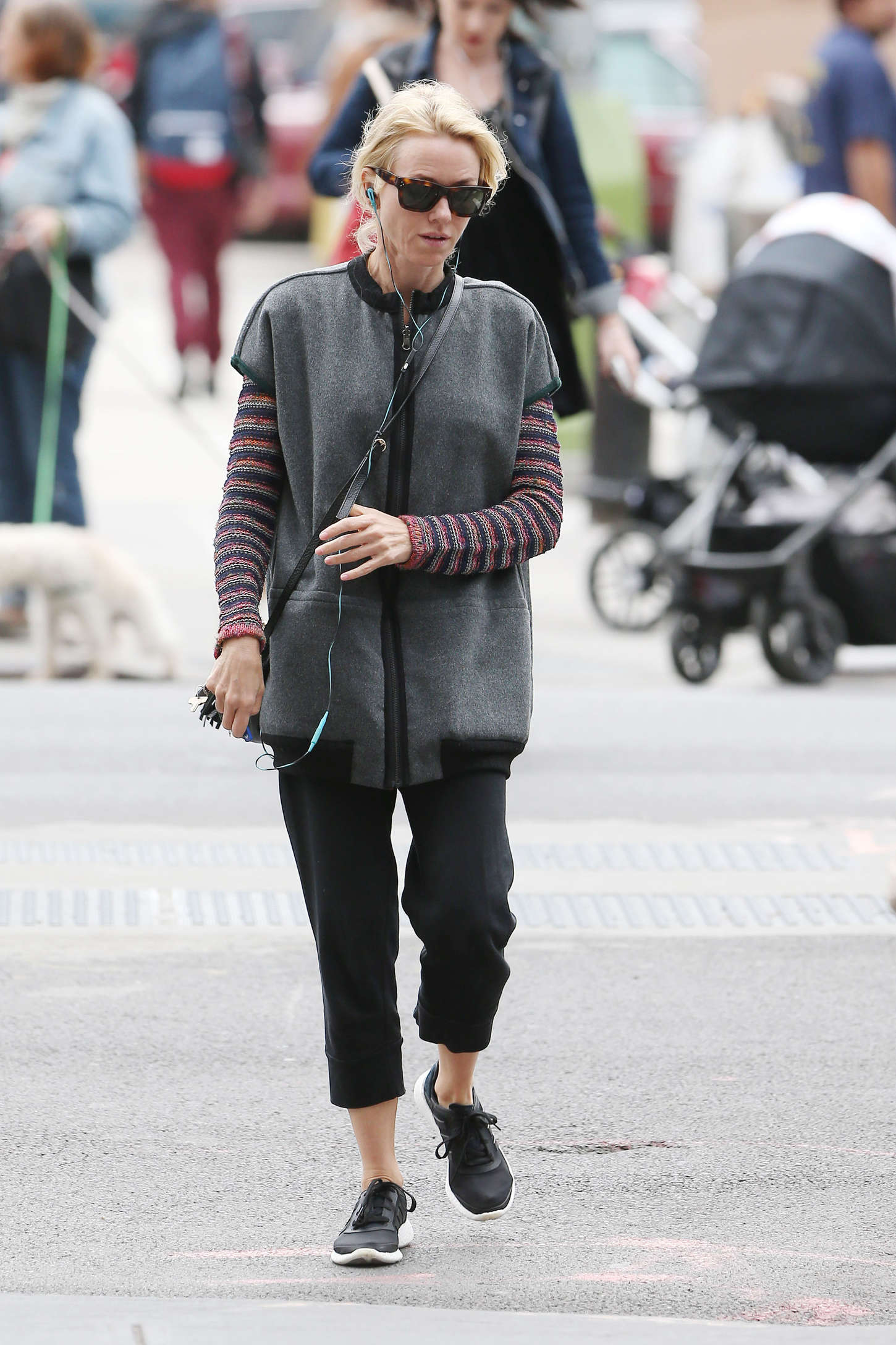 naomi watts street style out in nyc