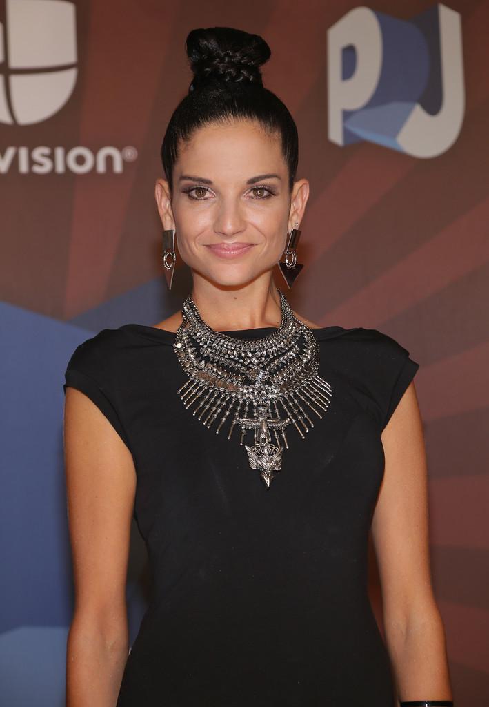 Promoción 'Creo en mi' (actuaciones, apariciones en Revistas, TV, etc.) - Página 2 Natalia-Jimenez:-Premios-Juventud-Awards-2014--04