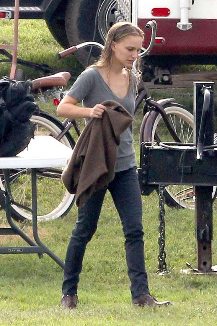 Back to FULL gallery Natalie Portman on the movie set of Terrence ... Cate Blanchett