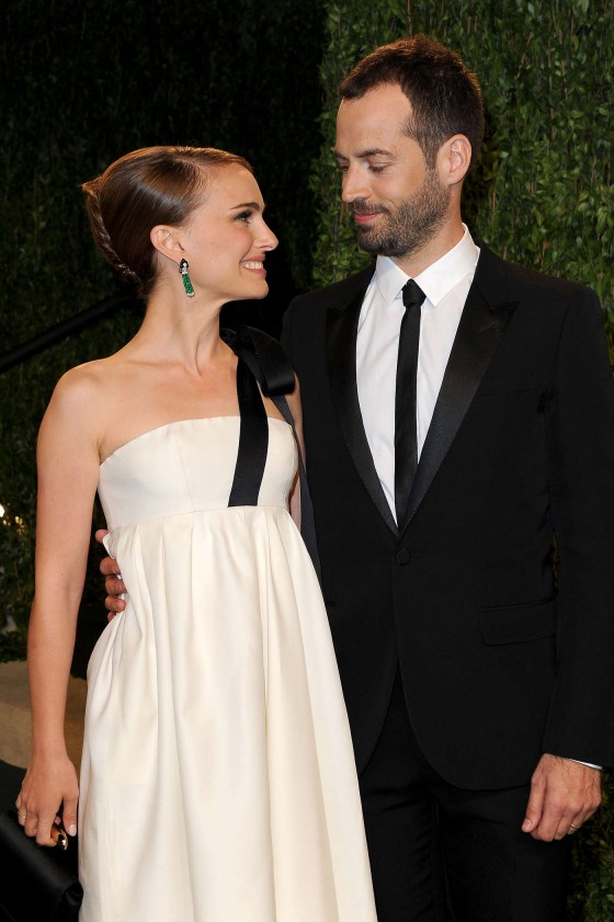 Natalie Portman – Oscar 2013 – Vanity Fair Party -10