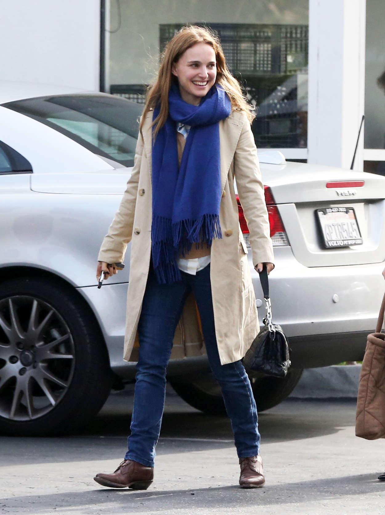 Natalie Portman Jeans Candids In Los Feliz 06 Gotceleb