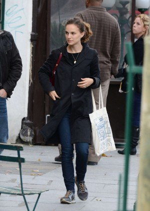 Natalie Portman -  Leaving the ''Shakespeare & Company'' Bookstore in Paris