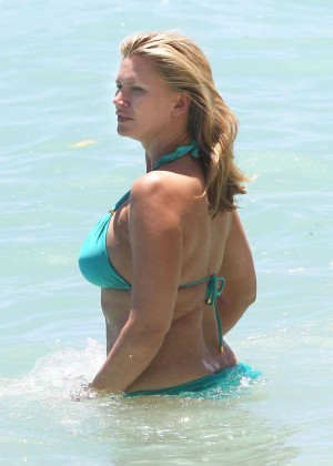 Natasha Henstridge in bikini -16