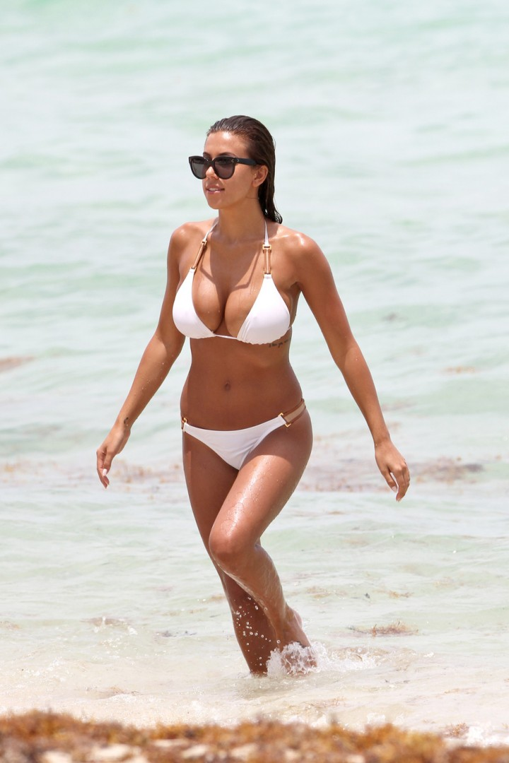 Back to post Natasha Oakley and Devin Brugman Looking Hot in a bikinisNatasha Oakley Hot