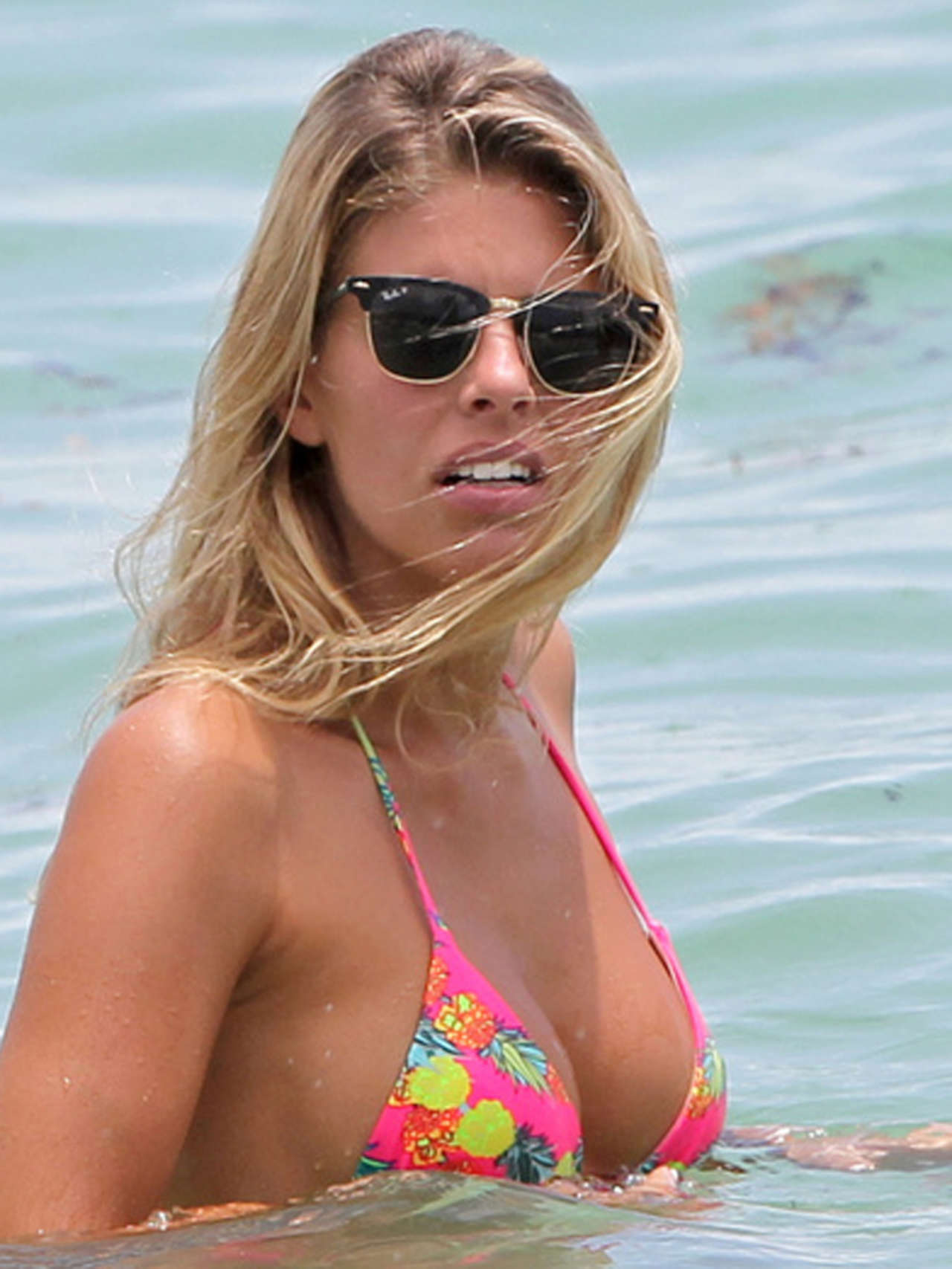 Natasha Oakley Hot in Pink Bikini-03 - Full SizeNatasha Oakley Hot