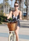 Nathalia Ramos - riding a bike-04