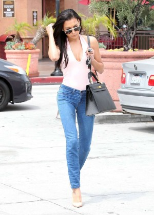 Naya Rivera in jeans -07