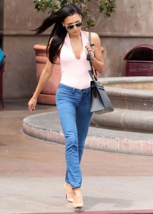 Naya Rivera in jeans -11