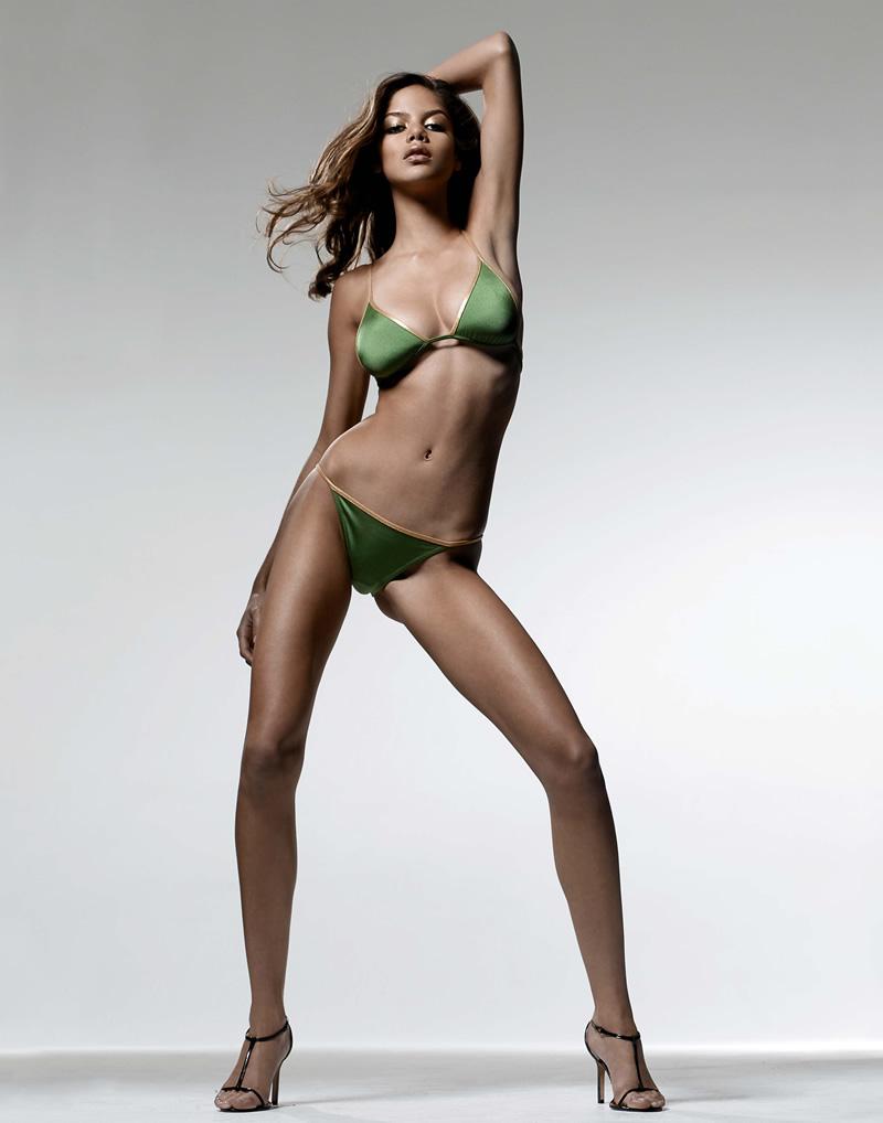Megan Fox Sexy In Bikini At Beach  6 NEW PICS