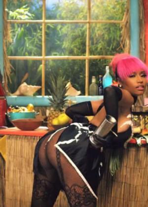 Nicki Minaj: Anaconda Music Video and Screencaps-01