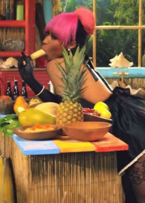 Nicki Minaj: Anaconda Music Video and Screencaps-03