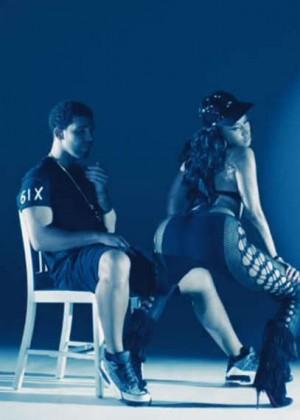Nicki Minaj: Anaconda Music Video and Screencaps-12