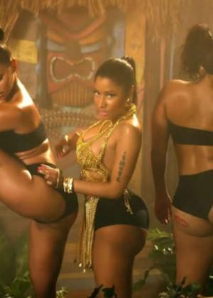 Nicki Minaj: Anaconda Music Video and Screencaps-18