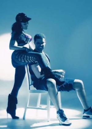 Nicki Minaj: Anaconda Music Video and Screencaps-29