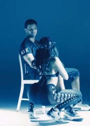 Nicki Minaj: Anaconda Music Video and Screencaps-30