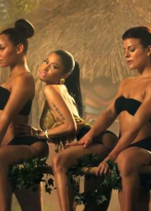 Nicki Minaj: Anaconda Music Video and Screencaps-32