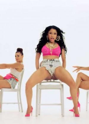 Nicki Minaj: Anaconda Music Video and Screencaps-34