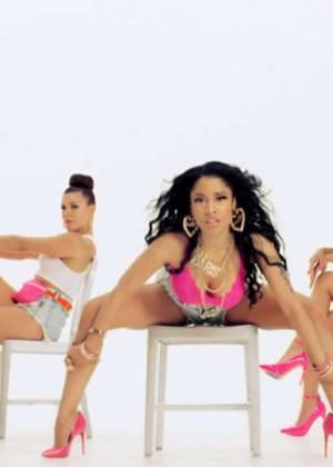 Nicki Minaj: Anaconda Music Video and Screencaps-38
