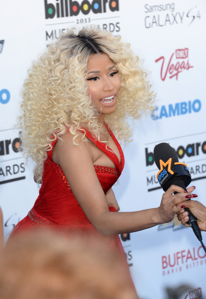 Nicki Minaj at the 2013 Billboard Music Awards -38