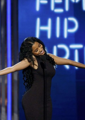 Nicki Minaj BET Awards 2014  05 300x420 - Nicki Minaj