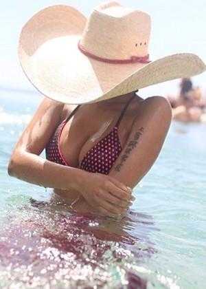 Nicki Minaj Bikini Photos: 2014 Cabo San Lucas -06