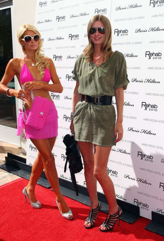 Nicky Hilton 2010 : nicky-hilton-leggy-candids-at-the-ultimate-daytime-pool-party-in-las-vegas-02