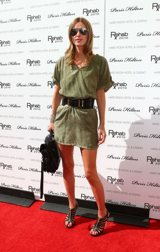 Nicky Hilton 2010 : nicky-hilton-leggy-candids-at-the-ultimate-daytime-pool-party-in-las-vegas-05