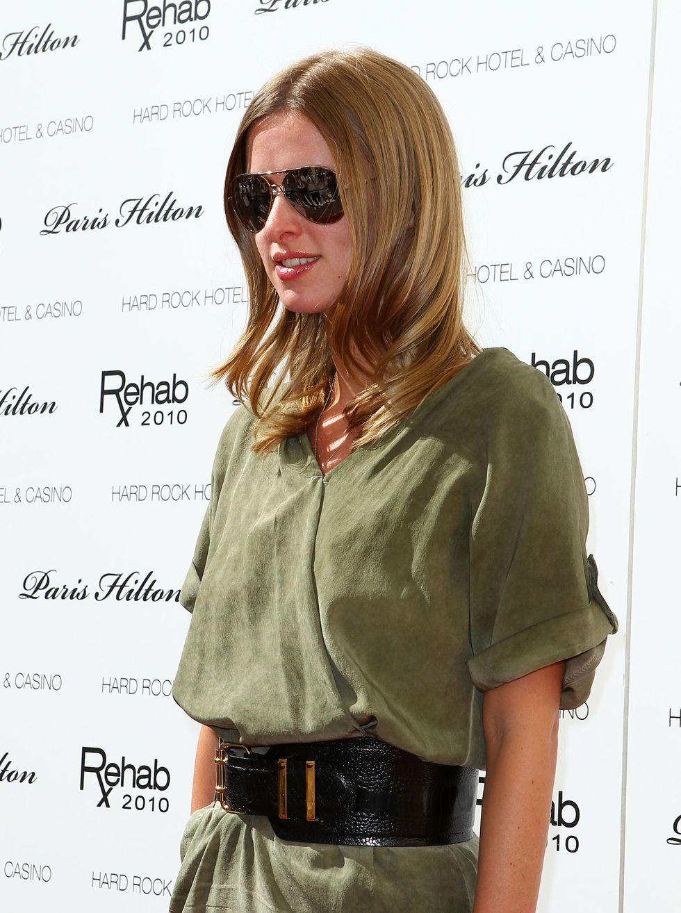 Nicky Hilton 2010 : nicky-hilton-leggy-candids-at-the-ultimate-daytime-pool-party-in-las-vegas-10