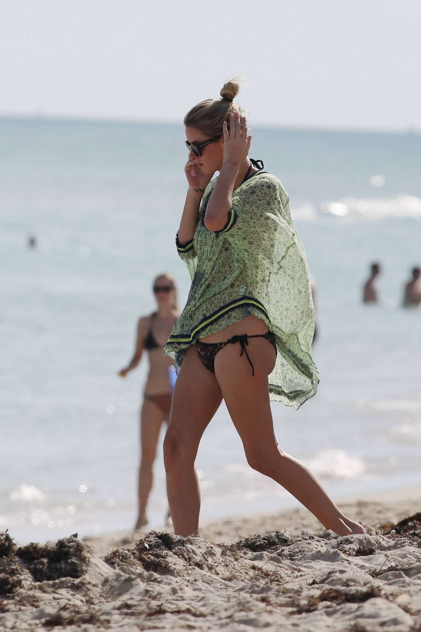 Nicky Hilton 2014 : Nicky Hilton bikini photos 2014-13