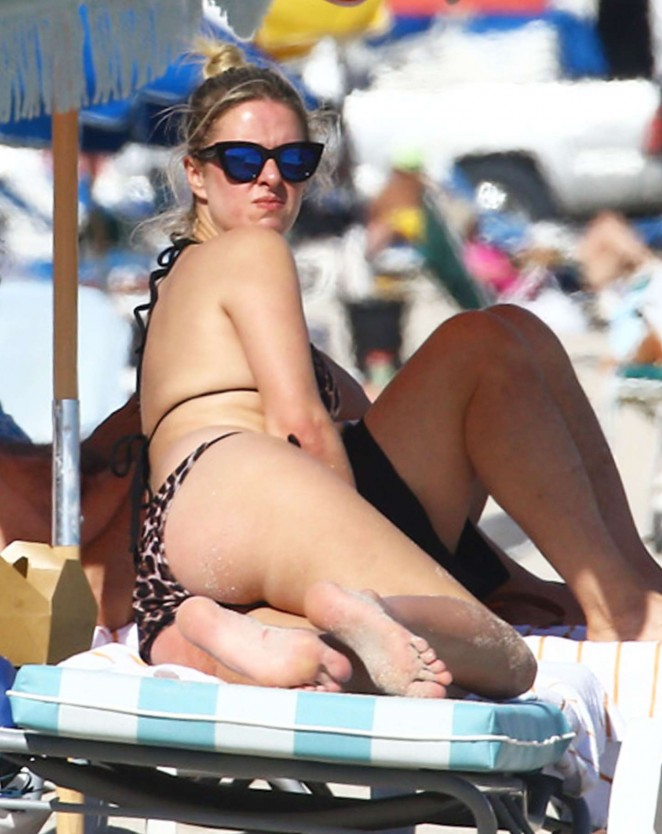 Nicky Hilton - Wearing a bikini at a beach in Miami