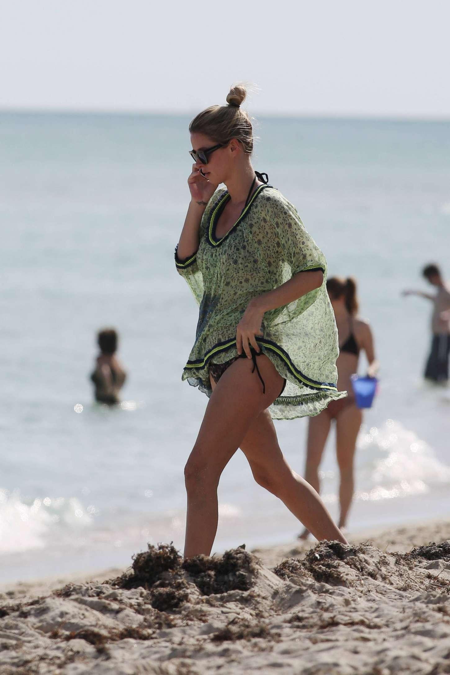 Nicky Hilton 2014 : Nicky Hilton bikini photos 2014-22