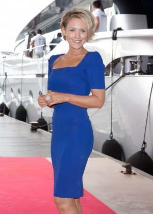 Nicky Whelan in Blue Dress at 'Matador' Photocall in Cannes, France