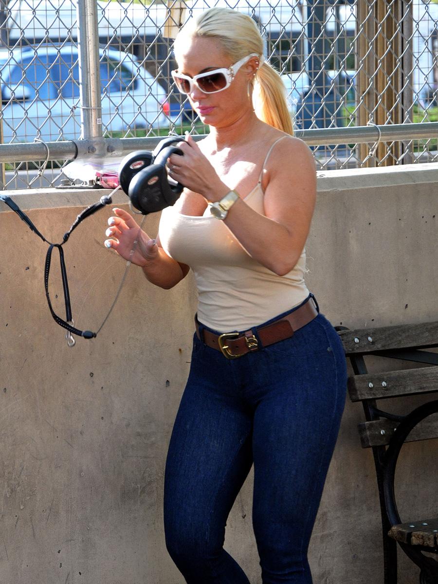 Mini Las Vegas >> Nicole Coco Austin in jeans-06 – GotCeleb