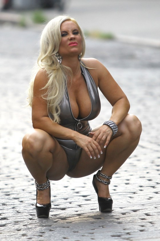 Nicole Coco Austin - on set of a photoshoot in New York