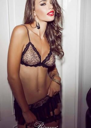 Nicole Meyer: Hot 20 Photos -03