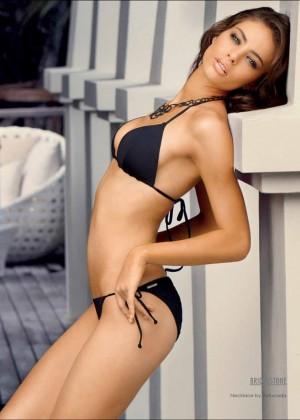 Nicole Meyer: Hot 20 Photos -13