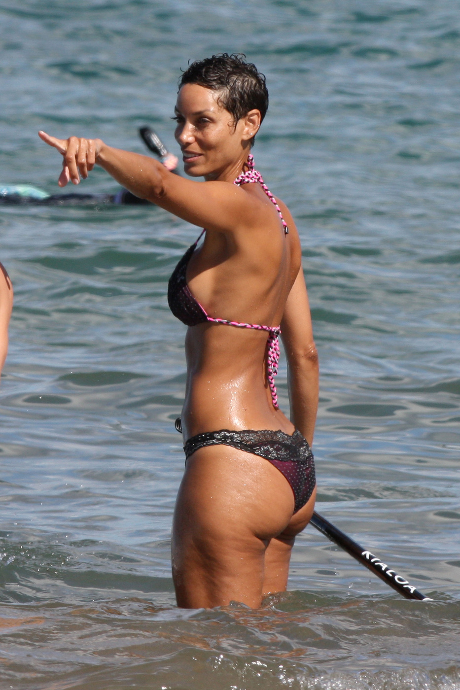 Nicole Murphy In A Bikini Paddleboarding At The Beach 04