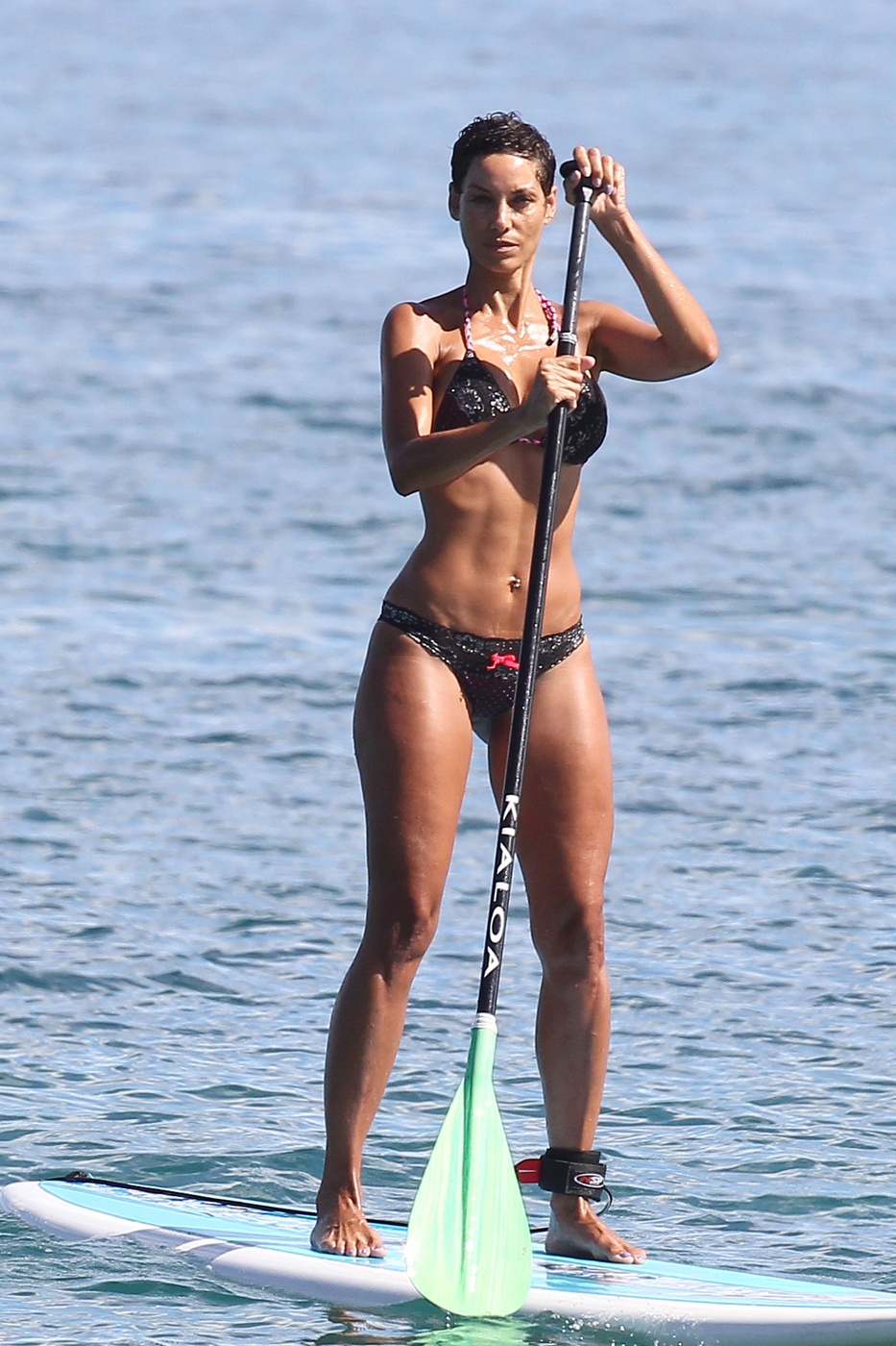 Nicole Murphy In A Bikini Paddleboarding At The Beach 08