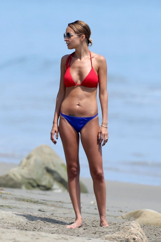 Nicole Richie - Bikini candids at a beach in Santa Barbara-07
