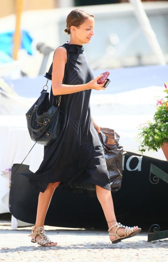 Nicole Richie – Out in Portofino -04