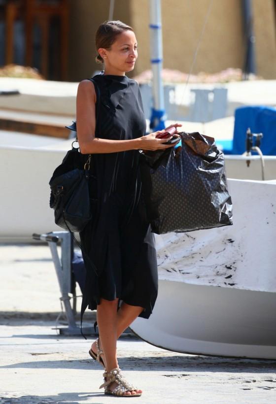 Nicole Richie – Out in Portofino -08