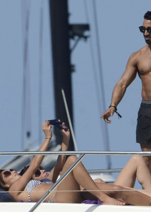 Nicole Scherzinger in Bikini: in Ibiza -07