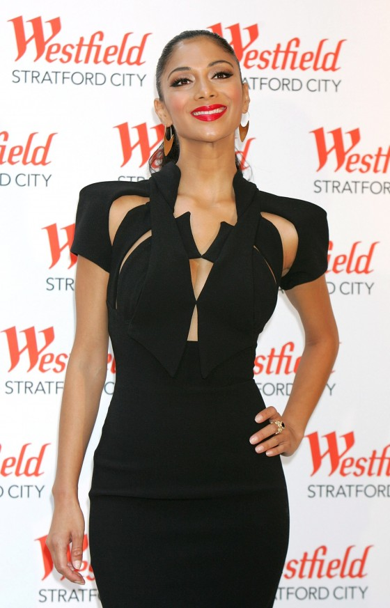 Nicole Scherzinger – Perfoming at Westfield Centre-09