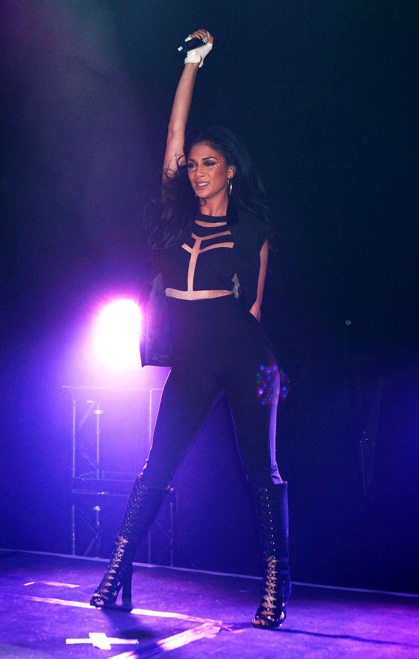 Back to FULL gallery Nicole Scherzinger Performance at GAY Nightclub ... Rihanna