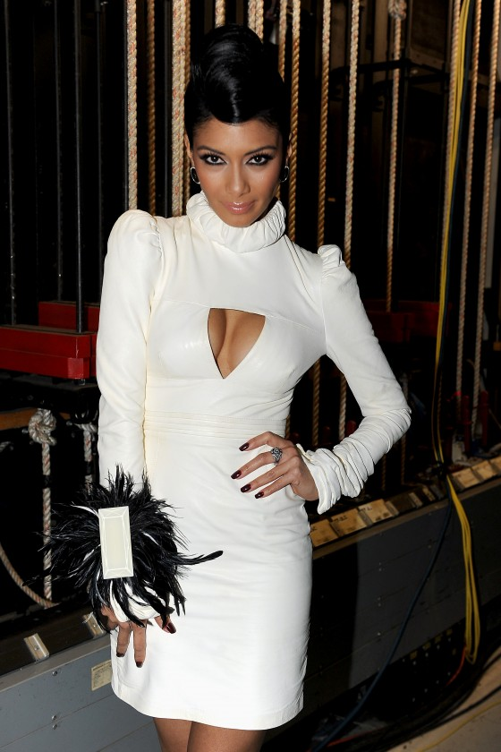 Nicole Scherzinger – Leggy in white Dress at X Factor Top 3 Performance Show in Hollywood-05